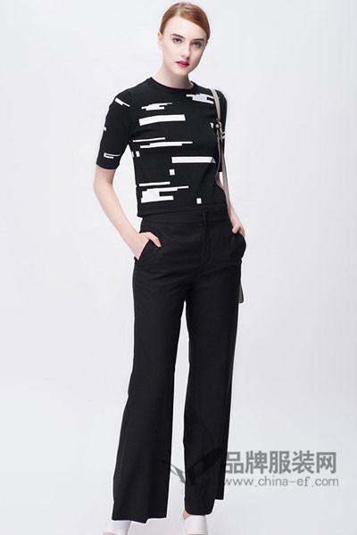 OBEG(欧碧倩)女装2017秋冬印花中袖针织衫