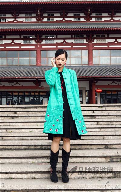 曼茜纱女装2017秋冬中国风刺绣棉衣