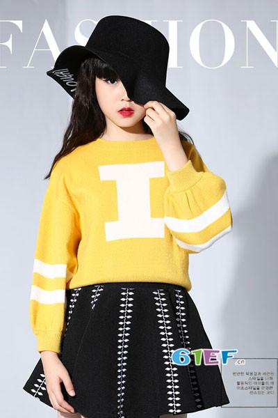 米・咪・咔(MIMCAR)童装2017秋季休闲宽松针织毛衣