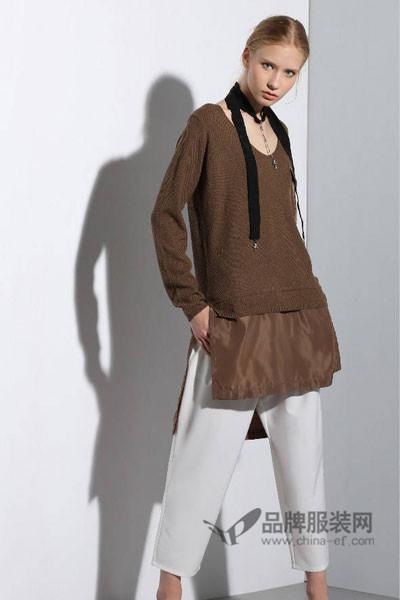 衣佰芬品牌女装女装2017秋冬时尚拼接v领针织上衣