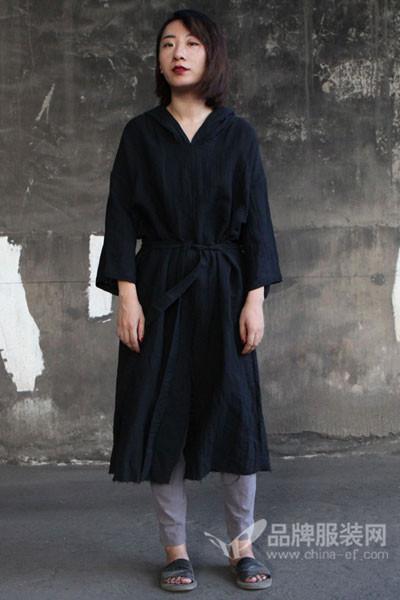 无泥女装2017秋冬休闲收腰T恤裙