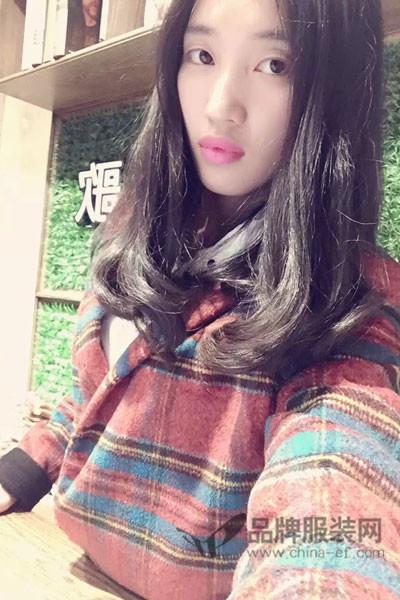 依歌艾你Yigeaini女装2017秋冬韩版中长款格子毛呢外套