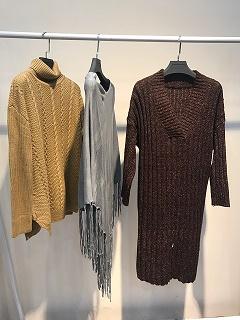 杭州折扣女装低价批发女装2017秋季新品玛格丽特毛衣一手货源厂家直销