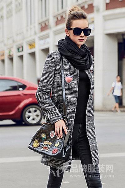 衣肖秀女装2017秋冬时尚欧式格纹中长款外套