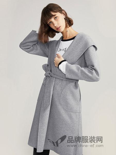 布莎卡女装  年龄25-45岁左右的自信女性  品牌专卖店