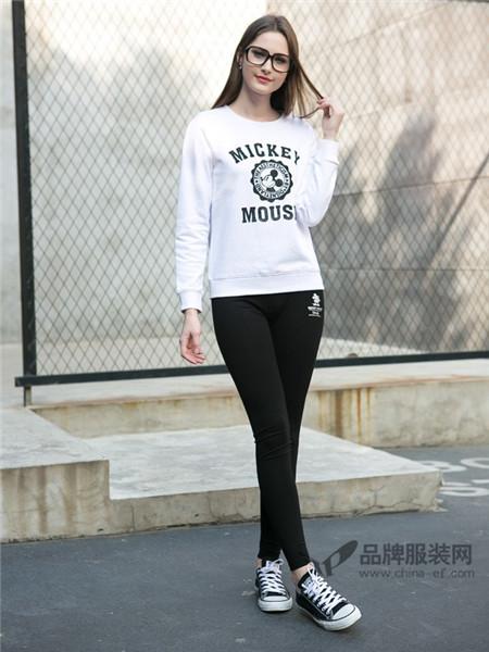 迪士尼女装2017秋冬休闲运动字母T恤