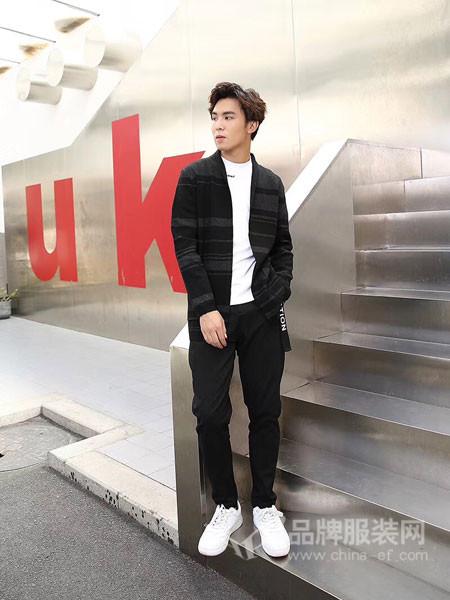 李蕾斯男装2017冬季韩版修身时尚百搭条纹棒球服毛衣外套