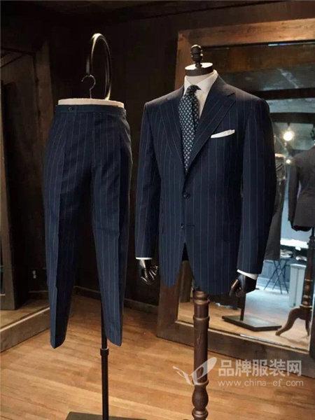 荷森男装2017秋冬订定制做双排扣深蓝英伦男修身条纹西服套装