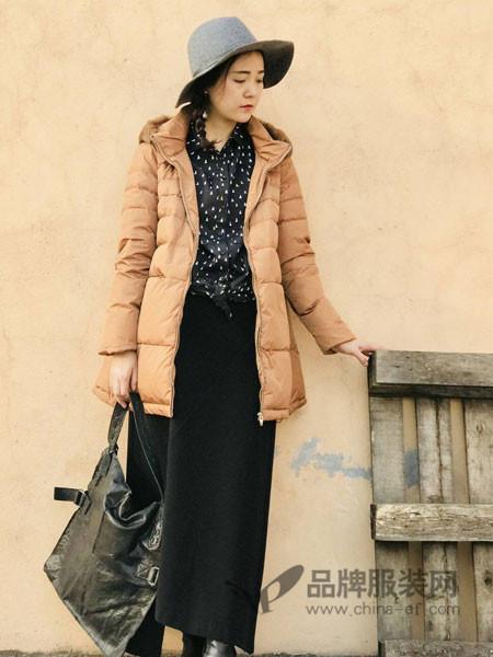 底色女装2017冬季加厚修身棉衣连帽长款羽绒服