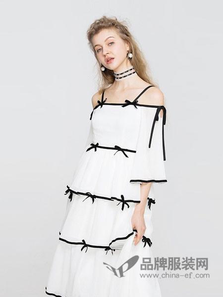 衣阁里拉女装2018春夏长袖白衬衫文艺宽松纱布感微皱肌理棉麻衬衣