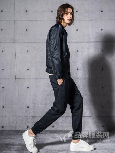 """纽上NEW SUNGO男装2018春夏系列风格纽上男装以""""自由心境 舒适生活""""为设计宗旨,通过以服装为媒介,引领普通消费者成为时尚达人"""