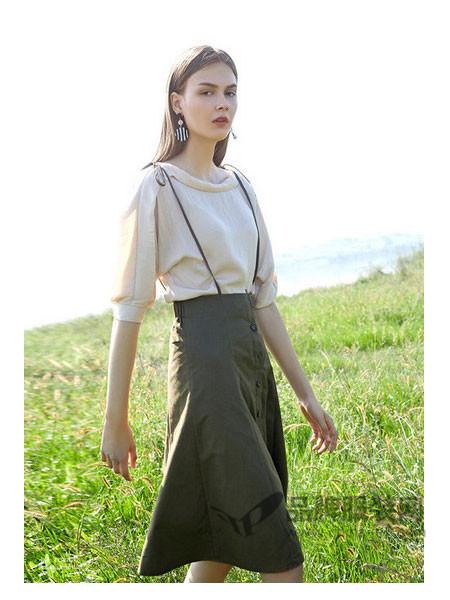 纷漫女装2018春夏韩版学生百搭清新甜美显瘦吊带连衣裙短裙子