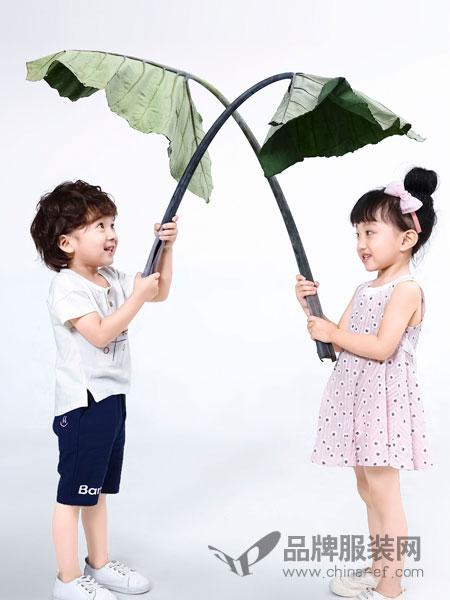 班吉鹿女装2018春夏纯棉时尚印花连衣裙