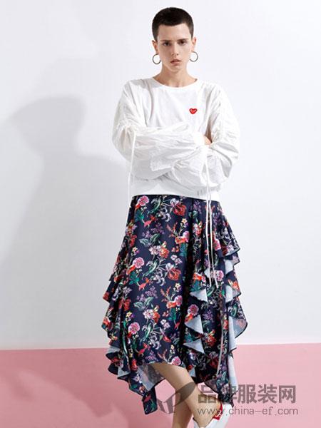 YDG女装2018春夏修身圆领灯笼袖上衣