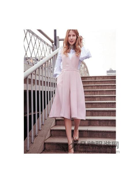 C&M女装版休闲背带套裙修身气质大摆中长裙
