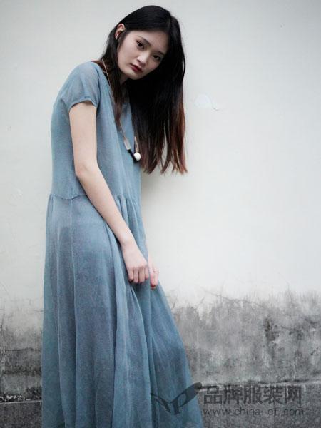 底色女装2018春夏时尚修身短袖连衣裙长裙