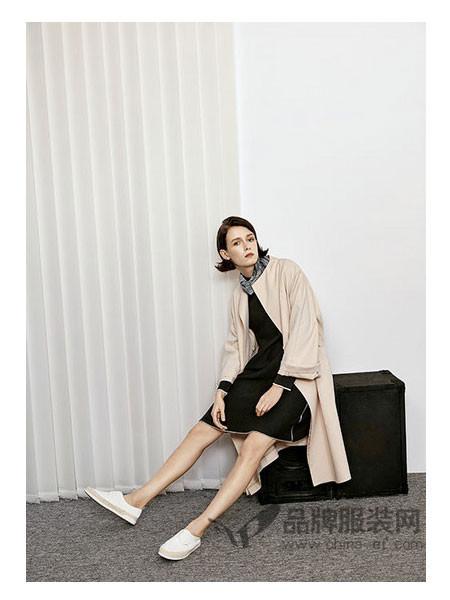 唯弋VIS&VIO女装2018春时尚中长款纯色气质大码显瘦风衣外套女