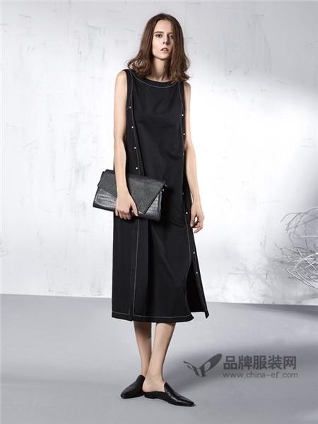 意澳女装2018春夏欧式时尚长款无袖连衣裙