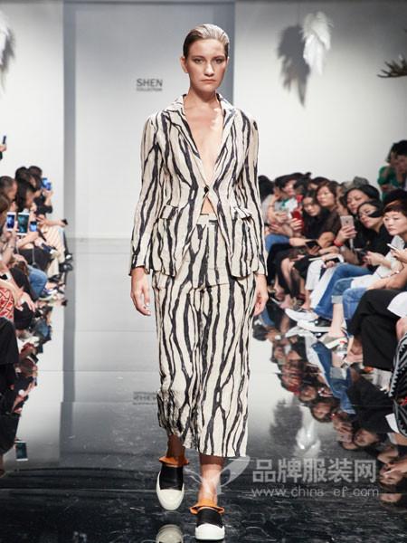 凯伦诗女装2018春夏欧式时尚条纹西装领长袖套装