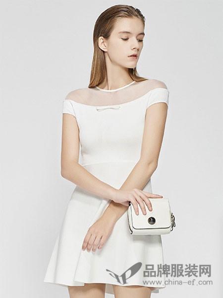 CAROLINE卡洛琳女装2018春夏网纱领口修身时尚短裙