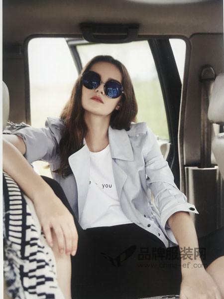 点占女装2018春夏时尚优雅小西装短款夹克