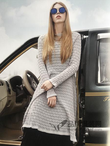 点占女装2018春夏欧式时尚优雅针织中长款连衣裙