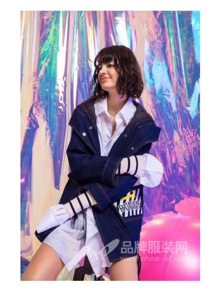 欧姿蔻女装2017秋冬时尚优雅修身字母外套