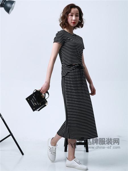 柯丹丝女装2018春夏时尚休闲条纹短袖长款连衣裙