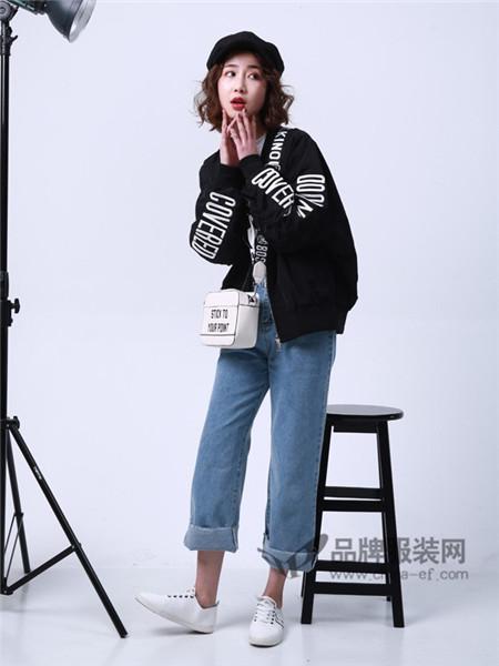 柯丹丝女装2018春夏时尚休闲字母短装风衣