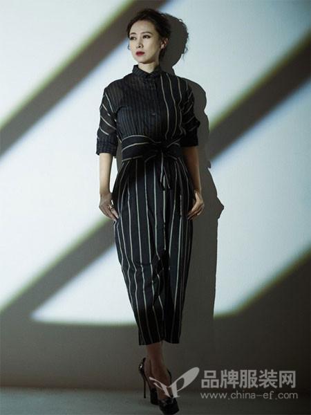 日播女装2018春夏条纹拼接时尚优雅修身高腰裙