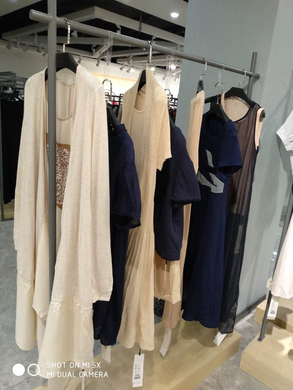 希索品牌折扣女装品牌店铺展示店铺形象