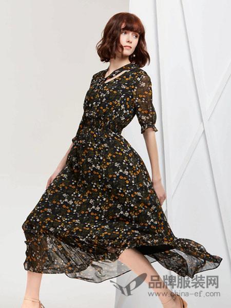 蔓露卡女装2018春夏碎花时尚气质淑女裙