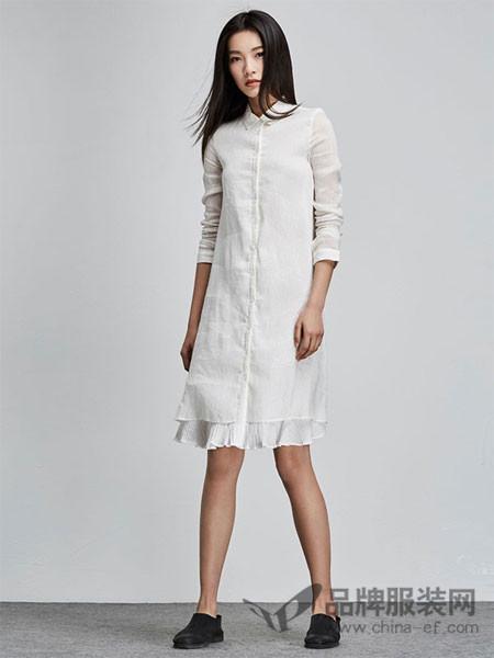 圣迪奥女装2018春夏白色休闲时尚长袖连衣裙