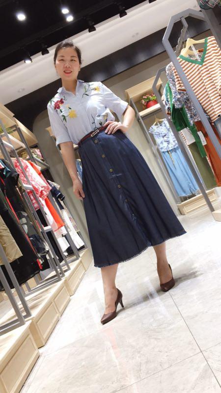 欧 . 丝蒂雅文品牌折扣女装剪标尾货进货渠道