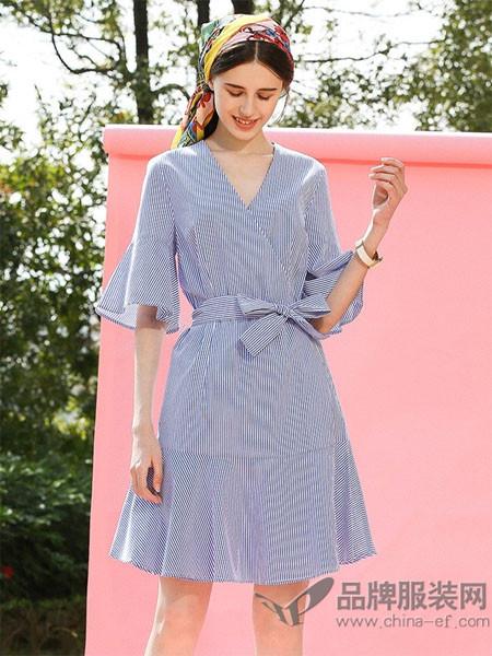 EVONA女装2018夏季条纹V领时尚收腰喇叭袖连衣裙