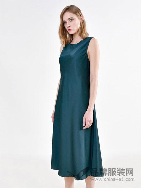 PINBLACK女装2018春夏无袖修身时尚连衣裙