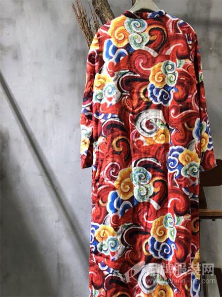 GAGA女装2018春夏立领麻料民族风印花复古宽松大码开衫连衣裙