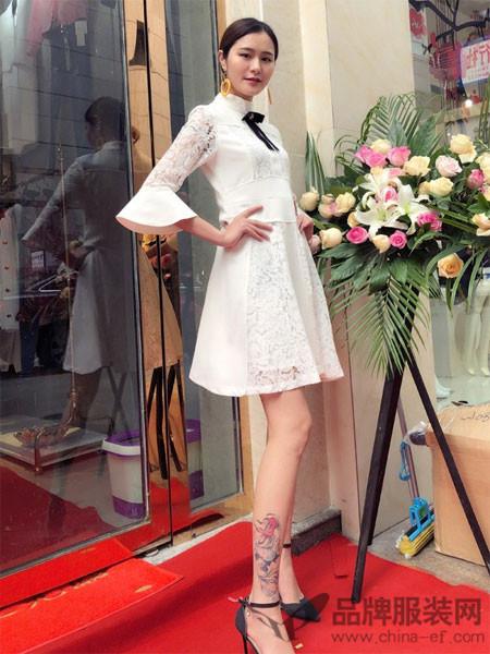 蔓黎国际女装2018春夏蕾丝镂空喇叭袖收腰连衣裙