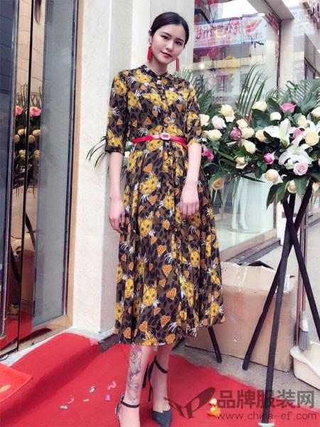 蔓黎国际女装2018春夏猫咪印收腰雪纺衬衫裙