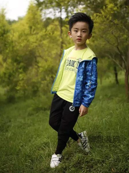小野豹Yebao童装休闲运动男风衣