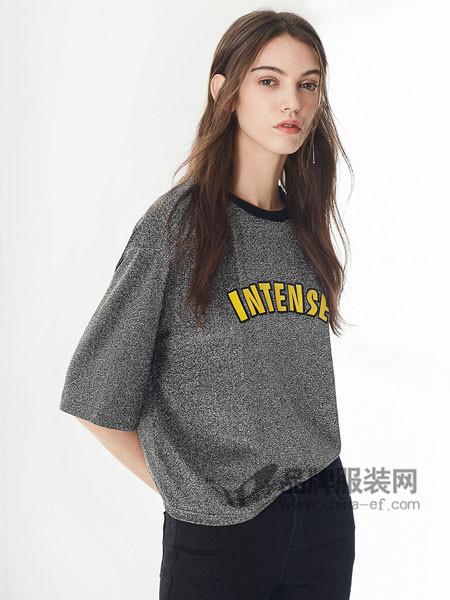 布莎卡女装2018夏季时尚休闲字母T恤