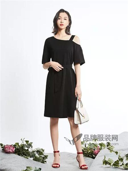 新作女装2018春夏新款时尚半露肩连衣裙