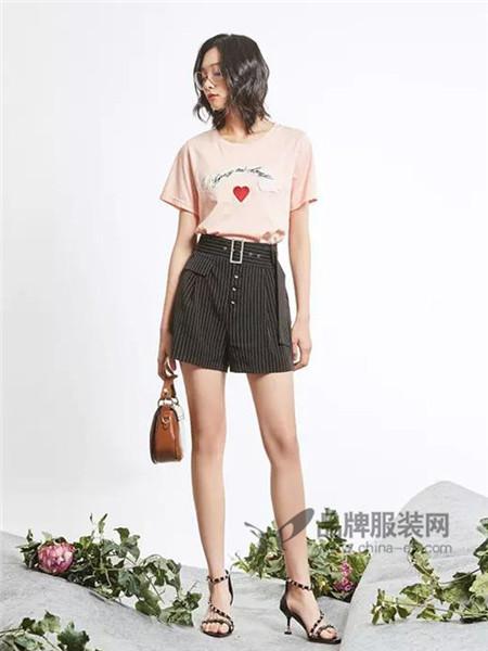 新作女装2018春夏时尚百搭刺绣贴布纯棉短袖T恤