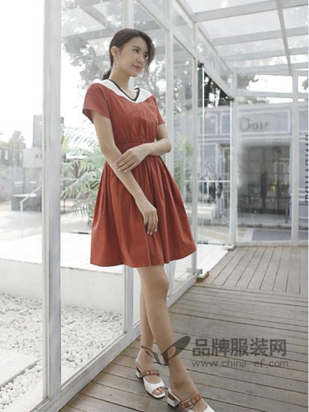 伽戈女装2018夏季时尚优雅气质撞色领连衣裙