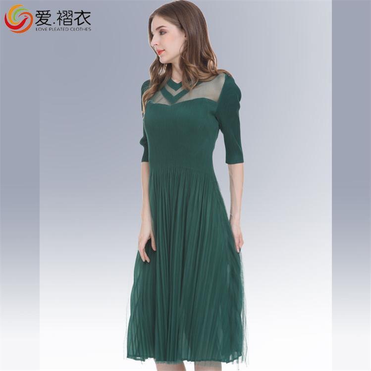 爱褶衣女装2018春夏新品