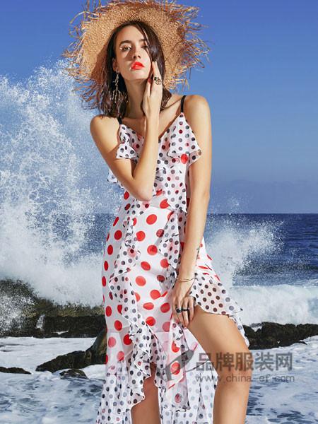 卡布依女装2018夏季时尚雪纺吊带波点性感连衣裙