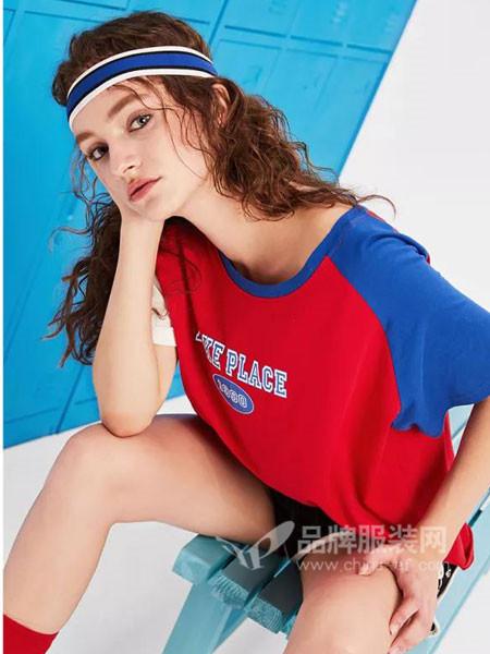 唐狮休闲2018春夏休闲个性撞色女T恤