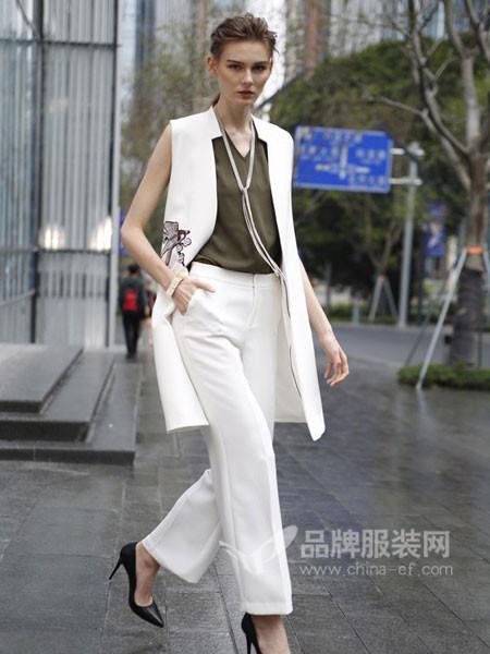 经典故事女装进取的同时追求高雅时尚的生活品味