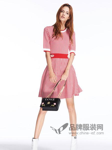 夺宝奇兵女装2018夏季针织连衣裙短袖高腰拼接条纹修身格子裙