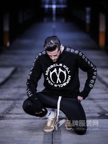 MK双刀男装2018春时尚休闲双刀标志字母男卫衣